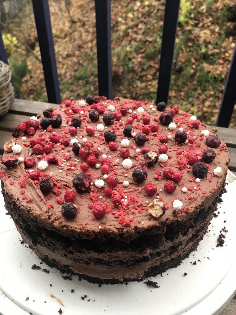 sokoladinis tortas super garden uogos